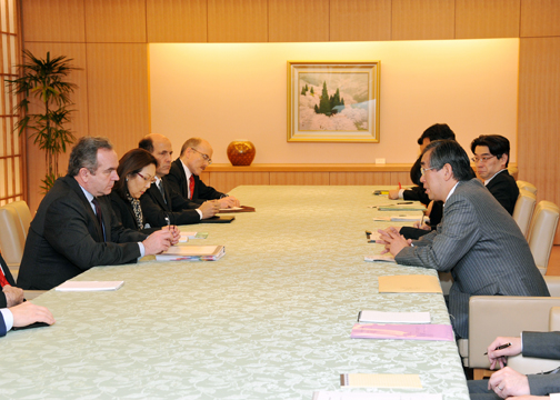 (Photo:Courtesy call on Minister for Foreign Affairs, by U.S. Assistant Secretary of State, and U.S. Assistant Secretary of Defense.)