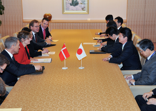 (Photo)Courtesy Call on Minister for Foreign Affairs of Japan Mr. Koichiro Gemba by Ms. Pia Olsen Dyhr, Danish Minister for Trade and Investment-2