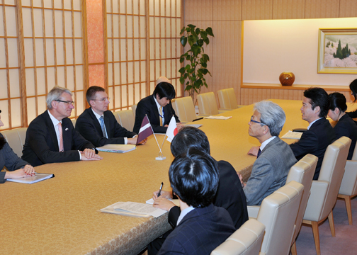 (Photo)Japan-Latvia Foreign Ministers' Meeting (Outline)-2