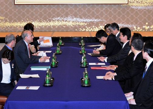 (Photo)Meeting and Dinner between Mr. Koichiro Gemba, Minister for Foreign Affairs of Japan, and Mr. José Ángel Gurría Treviño, Secretary-General of the OECD (Outline)-2