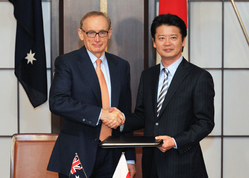 (Photo)Signing of the Japan-Australia Information Security Agreement (ISA)-2