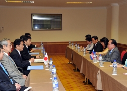 Japan-Cambodia Foreign Ministers' Meeting (2)