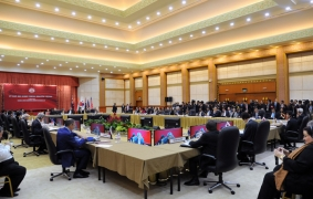 (Photo) Foreign Minister Kishida's Remarks at the Third East Asia Summit (EAS) Foreign Ministers' Meeting (3)