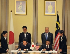 Japan-Malaysia Summit Meeting and Banquet Hosted by Prime Minister Dato' Sri Mohd Najib of Malaysia (1)