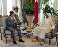 Meeting with Amir Sheikh Tamim<br>(Photo: Cabinet Public Relations Office)