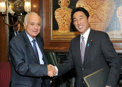 "Signing Ceremony for ""Memorandum of Cooperation (MOC) between The Government of Japan and The League of Arab States""(2)"