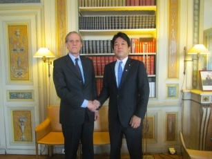 Parliamentary Vice-Minister Kentaro Sonoura Visits France 1