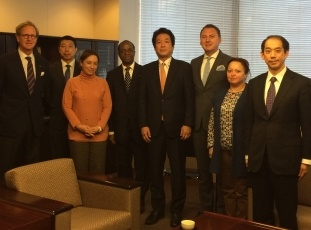 State Minister Kentaro Sonoura Receives a Courtesy Call from International Atomic Energy Agency Governors and Other Officials 1
