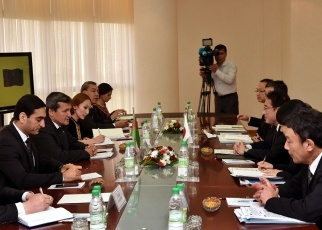 Japan-Turkmenistan Foreign Ministers' Meeting 2