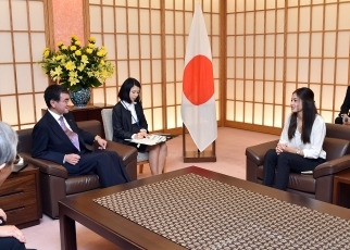 Courtesy Call on Foreign Minister Taro Kono by Ms. Yusra Mardini, the Goodwill Ambassador for the Office of the United Nations High Commissioner for Refugees (UNHCR) 2
