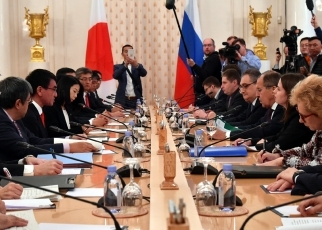 Japan-Russia Foreign Ministers' Meeting(2)