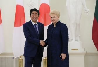 Photograph of the Prime Minister paying a courtesy call on the President of Lithuania
