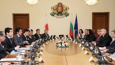 Photograph of the Japan-Bulgaria Summit Meeting<br>(Photo: Cabinet Public Relations Office)