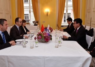 Japan-Albania Foreign Ministers' Meeting(Conversation)