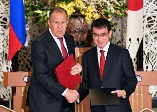 Tphoto5:he two sides signed the 2018-2019 Japan-Russia Inter-Foreign Ministry Consultation Plan