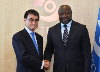 Meeting between Foreign Minister Taro Kono and Dr. Lassina Zerbo, Executive Secretary, Provisional Technical Secretary, Preparatory Commission for the Comprehensive Nuclear-Test-ban Treaty Organization