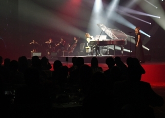(Photo10)A music play by the X Japan's Yoshiki