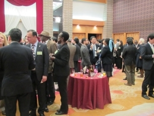 (Photo 7) Networking session
