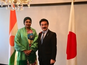 Meeting between State Minister Sato and the Minister Delegate to the Minister for Foreign Affairs, Cooperation, African Integration and Nigeriens Abroad, in charge of African Integration and Nigeriens Abroad of the Republic of Niger 1
