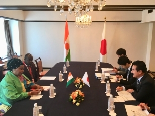 Meeting between State Minister Sato and the Minister Delegate to the Minister for Foreign Affairs, Cooperation, African Integration and Nigeriens Abroad, in charge of African Integration and Nigeriens Abroad of the Republic of Niger 2