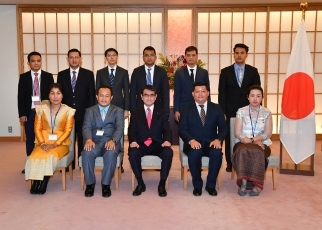 Courtesy Call on Foreign Minister Taro Kono JENESYS (Japan-East AsiaNetwork of Echange for Students and Youth) 2018 In-bound Program for ASEAN Youths (15th Batch) (Country: Cambodia, Theme: Japanese multiparty democracy) 1