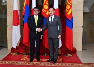 (Photo) Foreign Minister Kono visited Mongolia