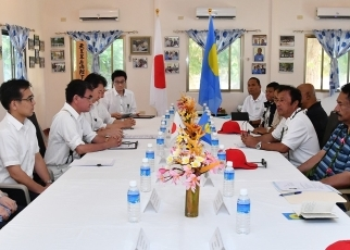 Foreign Minister Kono Pays a Courtesy Call on the President of Palau 2