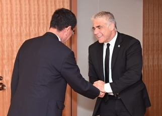 Foreign Minister Kono receives courtesy call by Mr. Yair Lapid, Co-Chairman of the Blue and White Party of Israel 1