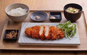 (Photo 17) Hitachi's thick pork cutlet