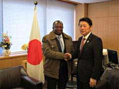 外務省: ムワキェンベ・タンザニア運輸大臣による松山外務副大臣への表敬