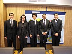 外務省: 平成21年度中東若手外交官等招聘(概要)