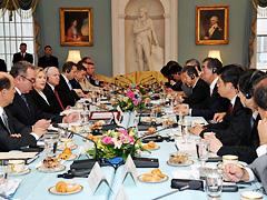外務省: 日米安全保障協議委員会...