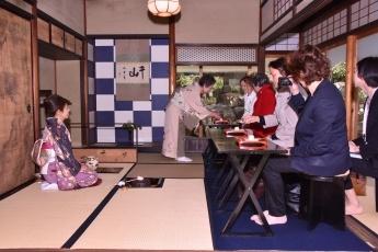 G7広島外相会合におけるおもてなし(2日目食事及び贈呈品)(配偶者プログラム)2