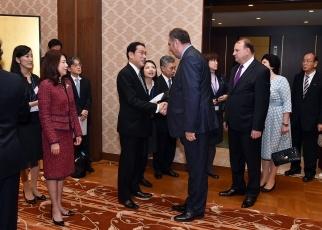 岸田外務大臣夫妻主催天皇誕生日祝賀レセプションの開催|外務省
