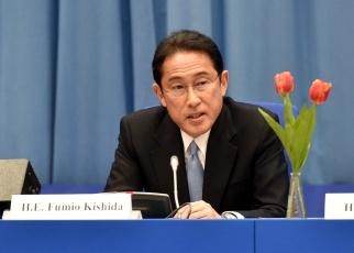 (写真11)広島県が開催したサイドイベントで発言する岸田外務大臣