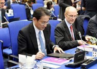 (写真4)2020年NPT運用検討会議第一回準備委員会に出席した岸田外務大臣