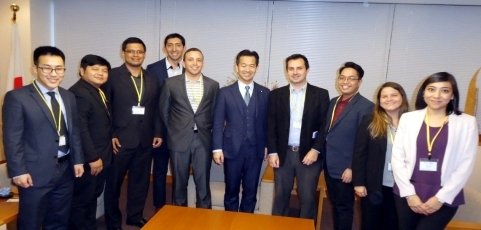 Courtesy visit to Parliamentary Vice-Minister for Foreign Affairs Okamoto by Young Officials of FEALAC (Forum for East Asia-Latin America Cooperation) member countries