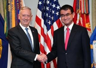 河野外務大臣とマティス米国国防...