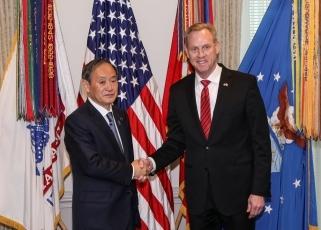 (写真1)シャナハン米国国防長官代行との会談