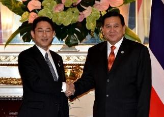 岸田外務大臣とタナサック・タイ副首相兼外相の会談 外務省