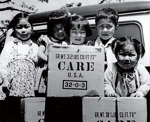 国際NGOのCAREから送られてきた物資。戦後日... 国際NGOのCAREから送られてきた物資