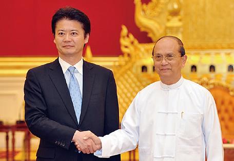 日本の外務大臣として9年ぶりにミャンマーを訪問し、テイン・セイン大統領と... 日本の外務大臣と