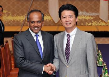 (写真)K・シャンムガム・シンガポール外務大臣の来日(平成24年6月4日〜6日)