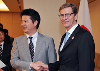 (写真)ギド・ヴェスターヴェレ・ドイツ外相の来日(平成24年7月7日〜8日)
