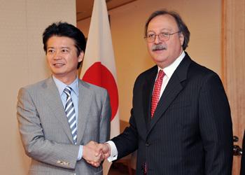 (写真)ヴァシャッゼ・グルジア外務大臣の来日(平成24年7月18日〜22日)