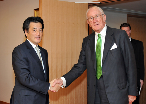 Mr. Malcolm Fraser, Honorary Chairman of the InterAction Council(Photo)