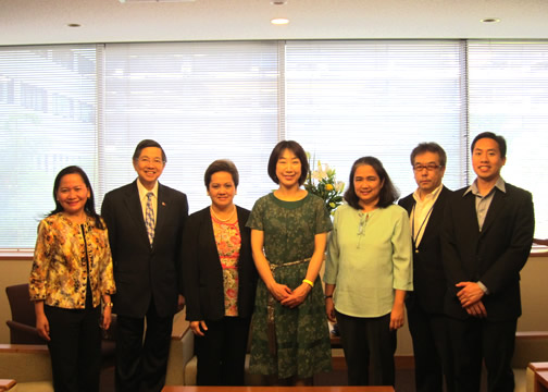photo:Courtesy Call on Parliamentary Vice-Minister for Foreign Affairs by A Medical Assistance Team from the Philippines