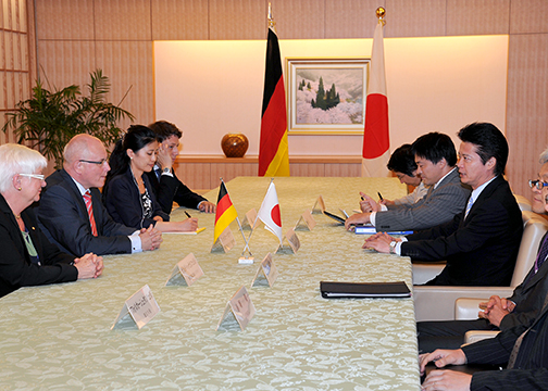 外務省: カウダー独連邦議会キリスト教民主同盟・社会同盟(CDU/CSU ...