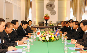(Photo)Japan-Cambodia Summit Meeting (Overview) 2