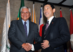 (Photo) Japan-Philippines Foreign Ministers' Meeting and Working Lunch (2)